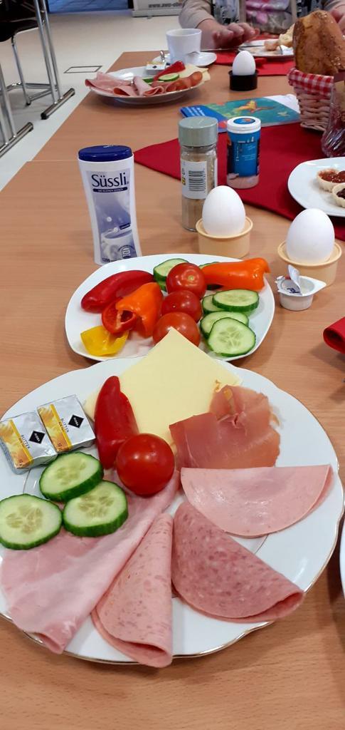 Frühstück in der AWO